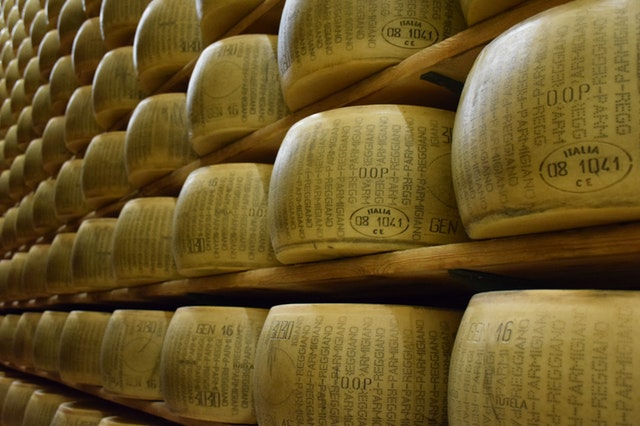 Aging to make cheese